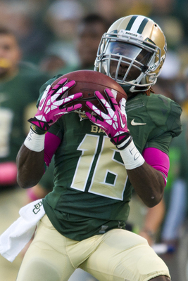 Hi-res-185377147-tevin-reese-of-the-baylor-bears-makes-a-catch-against_display_image