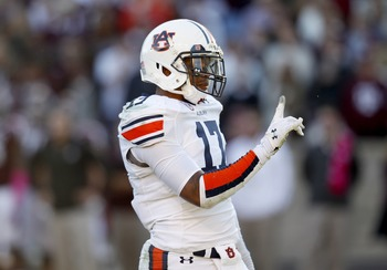 Hi-res-185369485-kris-frost-of-the-auburn-tigers-shakes-his-finger-after_display_image