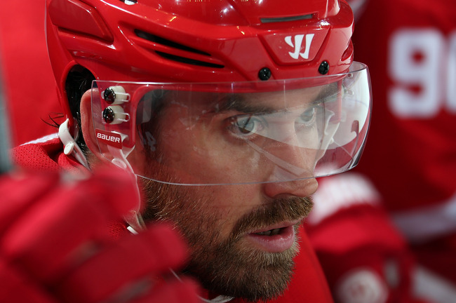Hi-res-185134522-henrik-zetterberg-of-the-detroit-red-wings-watches-the_crop_650