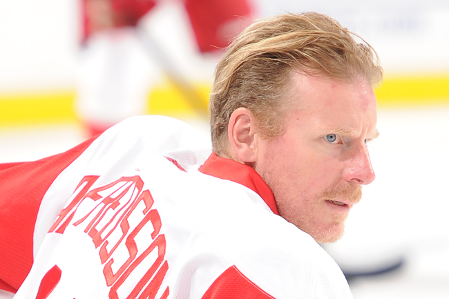 Hi-res-183186781-daniel-alfredsson-of-the-detroit-red-wings-skates_crop_650