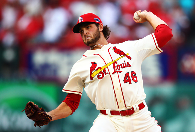 Hi-res-184234671-kevin-siegrist-of-the-st-louis-cardinals-pitches-in-the_crop_650x440