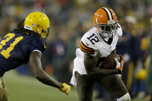 Hi-res-185446538-josh-gordon-of-the-cleveland-browns-makes-the-catch-and_crop_650