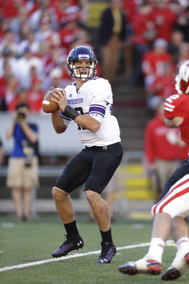 Hi-res-185658190-trevor-siemian-of-the-northwestern-wildcats-drops-bck_display_image