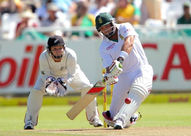 CAPE TOWN, SOUTH AFRICA - JANUARY 02: Jacques Kallis of the Proteas bats on his way to becoming only the fourth batsman in history to score 13,000 runs in Test cricket during day 1 of the 1st Test between South Africa and New Zealand at Sahara Park Newlan