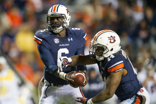 Hi-res-185978928-quarterback-jeremy-johnson-of-the-auburn-tigers-hands_crop_650