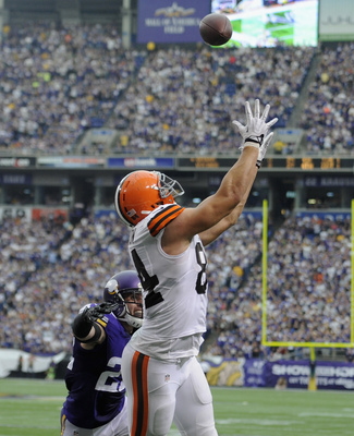 Hi-res-181574224-jordan-cameron-of-the-cleveland-browns-makes-a-catch_display_image
