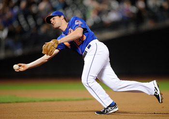 Hi-res-182049110-daniel-murphy-of-the-new-york-mets-throws-to-first-base_display_image