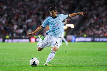 Hi-res-180873525-alex-lopez-of-rc-celta-de-vigo-kicks-the-ball-during_display_image