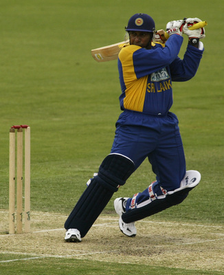Hi-res-1717744-aravinda-de-silva-of-sri-lanka-in-action-during-the-one_display_image