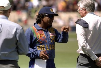Hi-res-1212466-jan-1999-arjuna-ranatunga-of-sri-lanka-consults-umpire_display_image