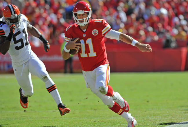 Hi-res-186039040-quarterback-alex-smith-of-the-kansas-city-chiefs-rushes_crop_650x440