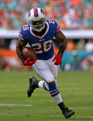Hi-res-185421954-spiller-of-the-buffalo-bills-rushes-during-a-game_display_image