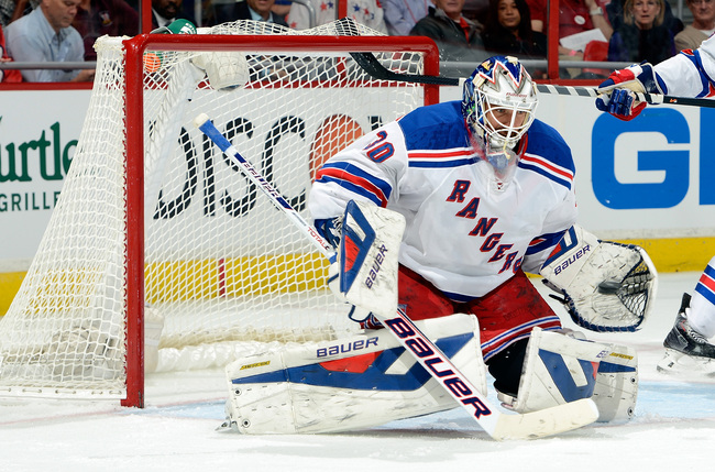 Hi-res-184806954-henrik-lundqvist-of-the-new-york-rangers-makes-a-save_crop_650