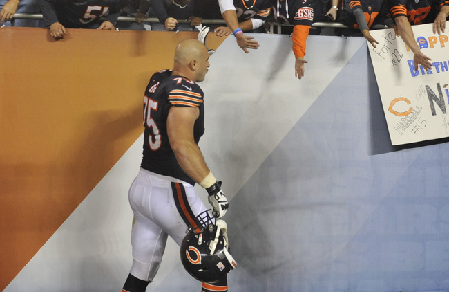 Hi-res-184002074-kyle-long-of-the-chicago-bears-high-fives-the-fans_crop_650
