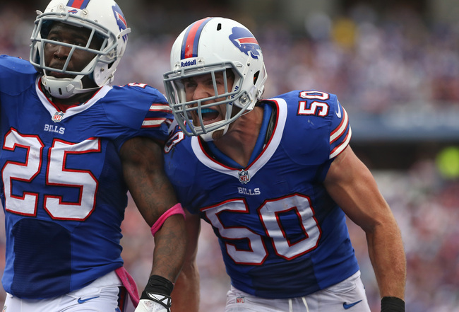 Hi-res-184418811-kiko-alonso-of-the-buffalo-bills-and-danorris-searcy_crop_650