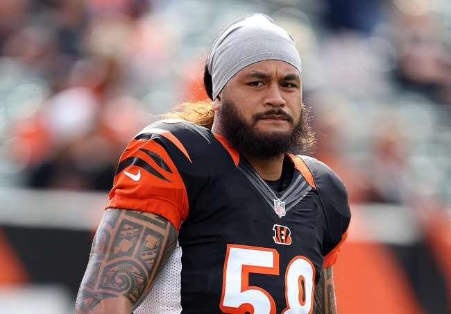 Hi-res-155465835-rey-maualuga-of-the-cincinnati-bengals-stretches-before_crop_650