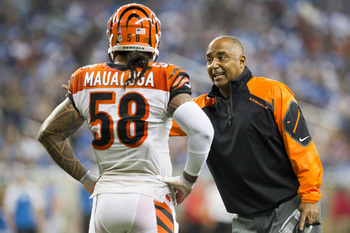 Hi-res-185429715-middle-linebacker-rey-maualuga-listens-to-head-coach_display_image