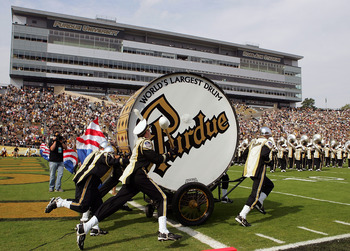 Hi-res-82928002-tthe-purdue-all-american-marching-band-before-a-game_display_image