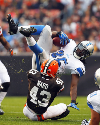Hi-res-184412227-running-back-joique-bell-of-the-detroit-lions-is_display_image