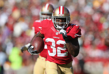 Hi-res-180887879-running-back-kendall-hunter-of-the-san-francisco-49ers_display_image