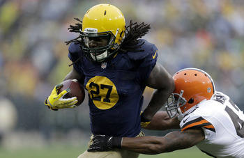 Hi-res-185445895-eddie-lacy-of-the-green-bay-packers-runs-with-the_display_image