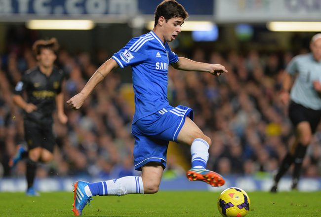 Hi-res-186030807-oscar-of-chelsea-on-the-ball-during-the-barclays_crop_650x440