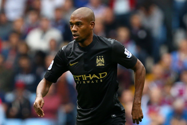 Hi-res-182580106-fernandinho-of-manchester-city-controls-the-ball-during_crop_650