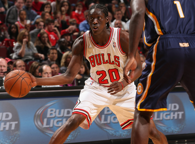 Hi-res-185335303-tony-snell-of-the-chicago-bulls-passes-the-ball-against_crop_650
