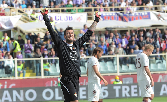 Hi-res-167135525-goalkeeper-emiliano-viviano-of-acf-fiorentina_crop_650