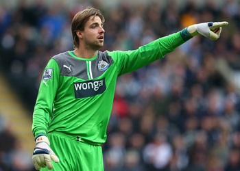 Hi-res-185419680-tim-krul-of-newcastle-united-gives-instructions-during_display_image