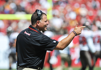 Hi-res-183956677-coach-greg-schiano-of-the-tampa-bay-buccaneers-directs_display_image