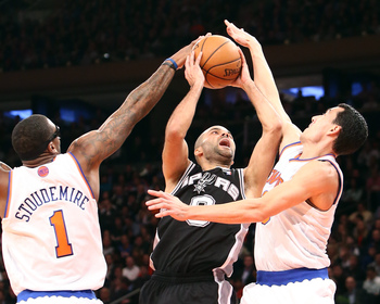 Amar'e Stoudemire and Pablo Prigioni get the block on Tony Parker
