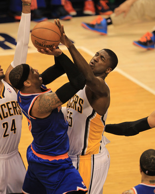Roy Hibbert blocks Carmelo Anthony's shot
