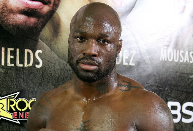 Hi-res-97809485-undefeated-light-heavyweight-contender-king-mo-lawal_crop_650x440
