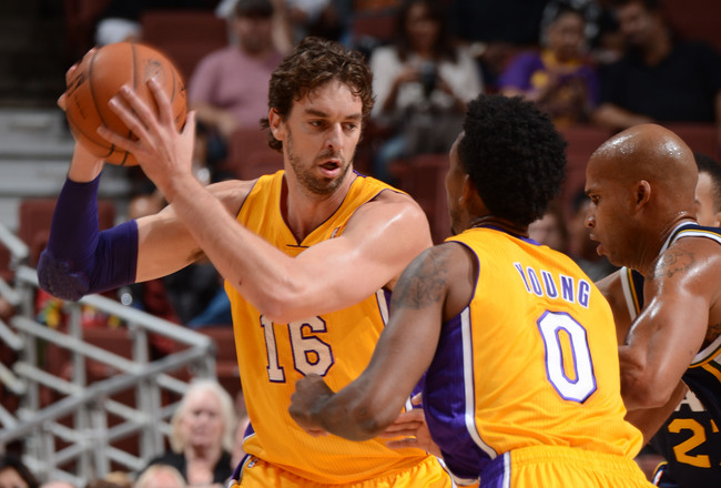 Hi-res-185887401-pau-gasol-of-the-los-angeles-lakers-handles-the_crop_650x440
