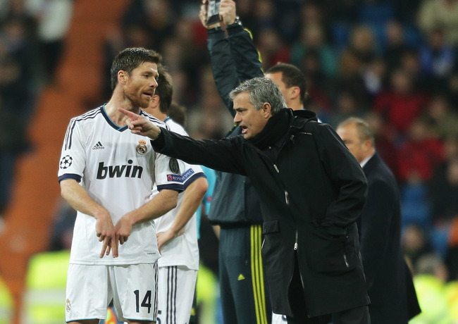 Hi-res-165370172-real-madrid-coach-jose-mourinho-talks-to-xabi-alonso-of_crop_650