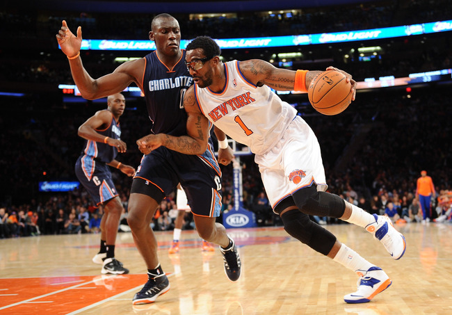 Hi-res-185883050-amare-stoudemire-of-the-new-york-knicks-drives-past_crop_650