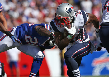 Hi-res-180074401-shane-vereen-of-the-new-england-patriots-is-hit-as-he_display_image