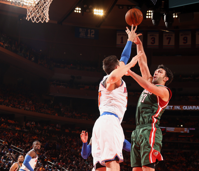 Hi-res-186389316-andrea-bargnani-of-the-new-york-knicks-goes-up-to-block_crop_650