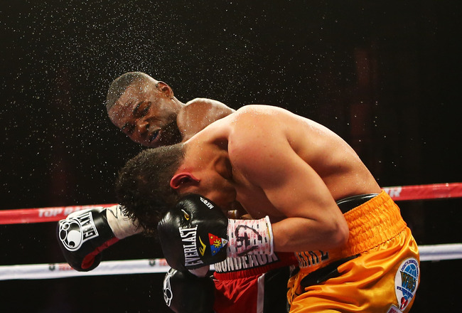 Hi-res-166550160-guillermo-rigondeaux-punches-nonito-donaire-during_crop_650x440
