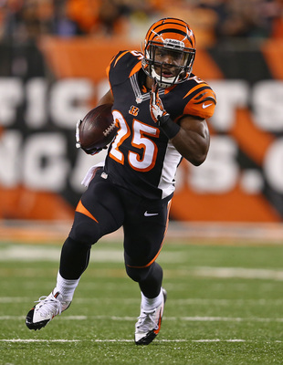 Hi-res-180853783-giovani-bernard-of-the-cincinnati-bengals-runs-with-the_display_image