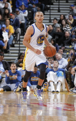 186373756-stephen-curry-of-the-golden-state-warriors-brings-the_display_image