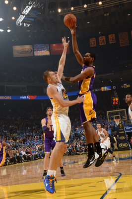 Hi-res-186393135-shawne-williams-of-the-los-angeles-lakers-attempts-a_display_image