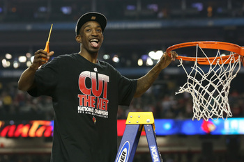 Hi-res-166106932-russ-smith-of-the-louisville-cardinals-celebrates-as-he_display_image