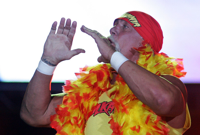 Hi-res-93353794-hulk-hogan-enters-the-stage-prior-to-his-bout-against_crop_650x440