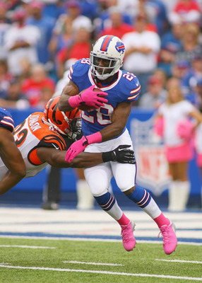 Hi-res-184418843-spiller-of-the-buffalo-bills-tries-to-avoid-a-tackle-by_display_image