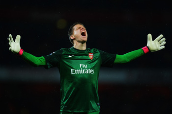 Hi-res-168748016-wojciech-szczesny-the-arsenal-goalkeeper-celebrates_display_image