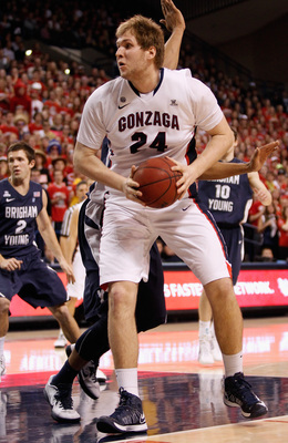 Hi-res-160023783-center-przemek-karnowski-of-the-gonzaga-bulldogs_display_image