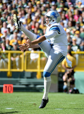 Hi-res-183674488-sam-martin-of-the-detroit-lions-punts-to-the-green-bay_display_image
