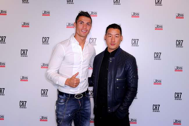 Hi-res-186447368-cristiano-ronaldo-with-co-designer-richard-chai_crop_650